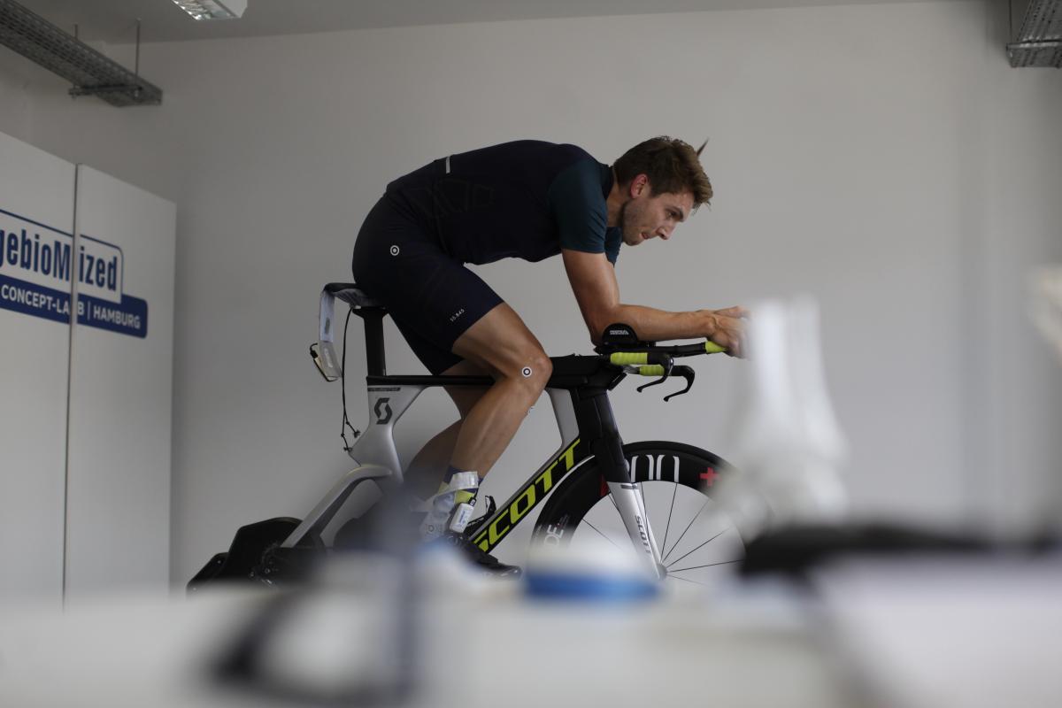Alex Siegmund von INCYLENCE zum BikeFitting bei HYCYS